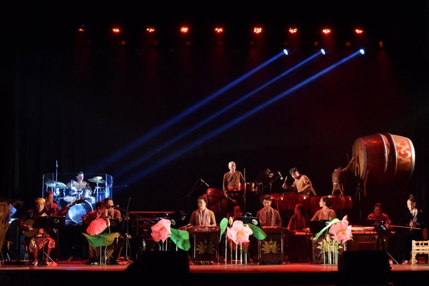Bản sắc dân tộc và âm nhạc đương đại Việt Nam