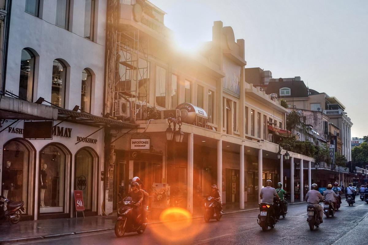 Chùm ảnh: Phố Tràng Tiền – con phố 'Tây' nhất của Hà Nội