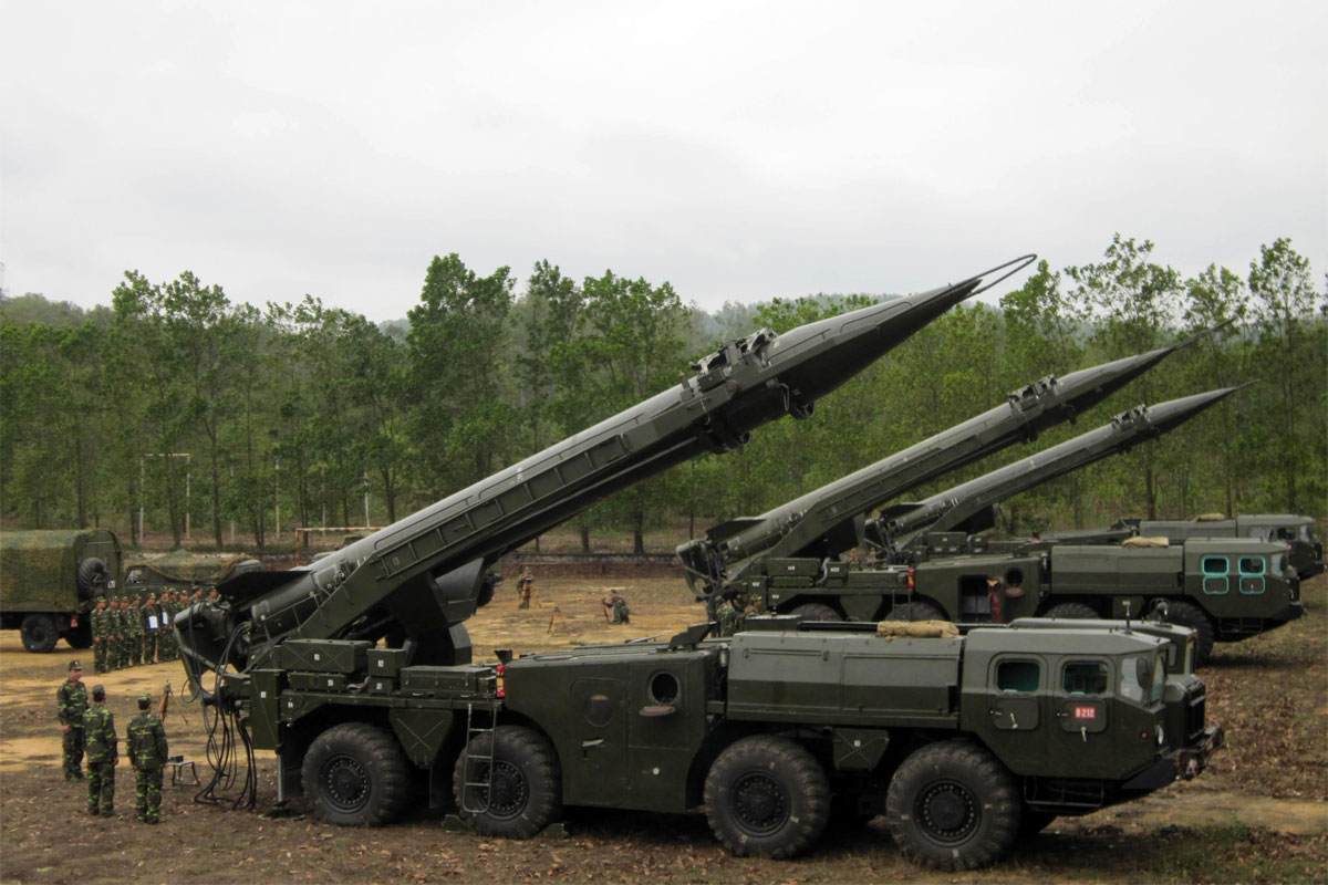 So sánh tên lửa đạn đạo và tên lửa hành trình. Việt Nam đang sở hữu những loại nào?