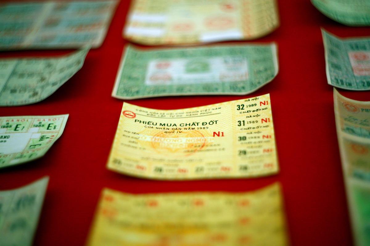 Chùm ảnh: Tem phiếu thời bao cấp – còn chút gì để nhớ