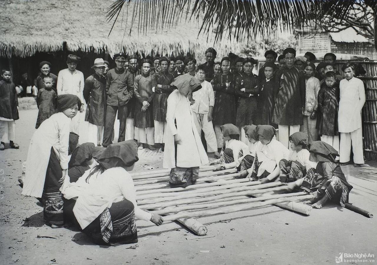 Chùm ảnh: Đồng bào dân tộc thiểu số Tây Nghệ An thập niên 1920
