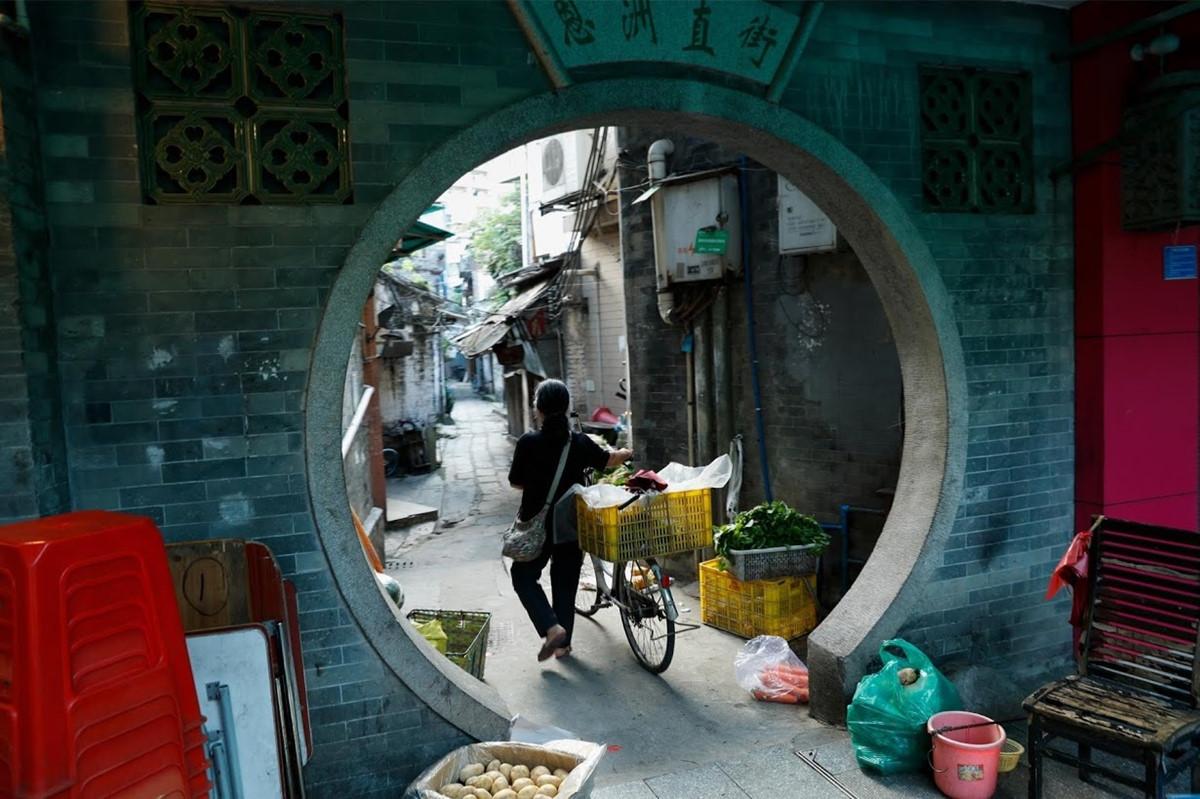 Tiem massage truyen thong, lang do thi trong long Quang Chau hinh anh 3