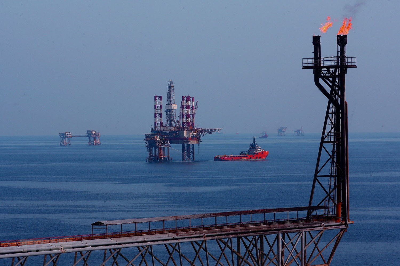 Lịch sử ngành dầu khí Việt Nam: Từ con số 0 đến 100 triệu tấn dầu thô