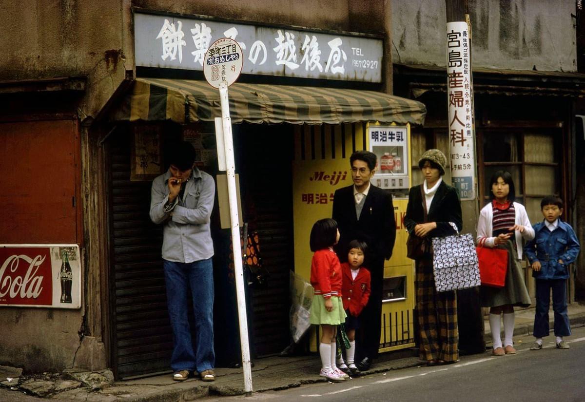 Tokyo thap nien 1970 day hoai niem qua ong kinh nhiep anh gia Canada hinh anh 12