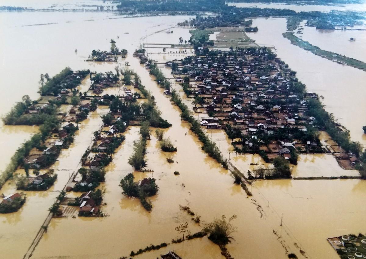 Ký ức về trận đại hồng thủy ở Huế năm 1999
