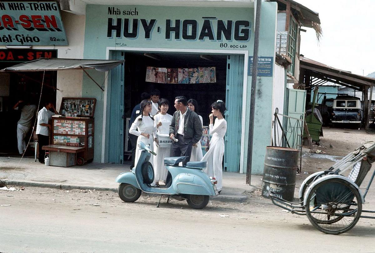Nha Trang năm 1968 qua ống kính của Clare Love