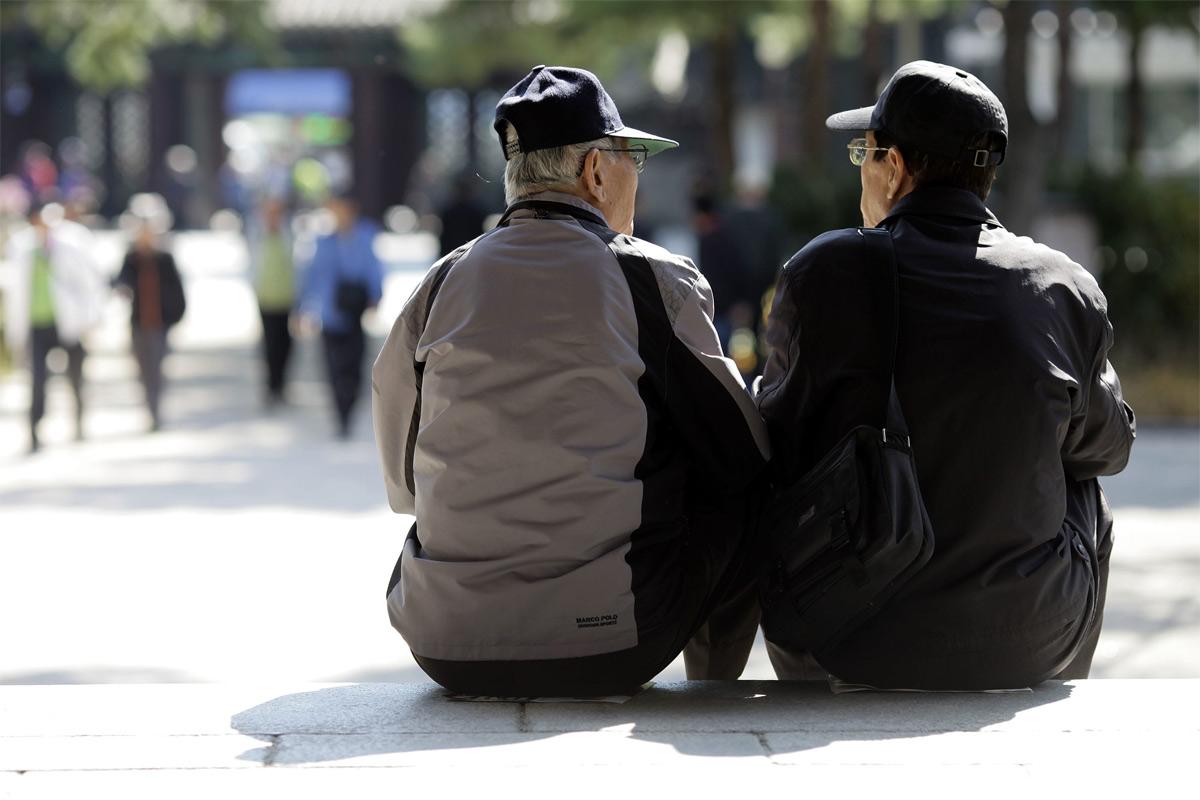 Người già Hàn Quốc và ước mơ có 9 USD mỗi ngày để sống ở Seoul