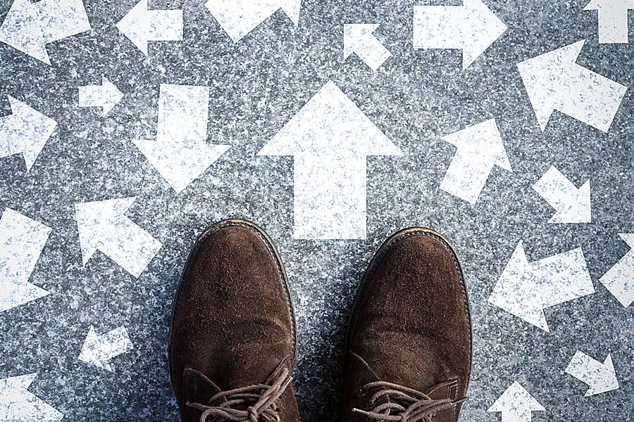 Khuôn mẫu tư duy và định kiến xã hội đối với việc hình thành dư luận xã hội