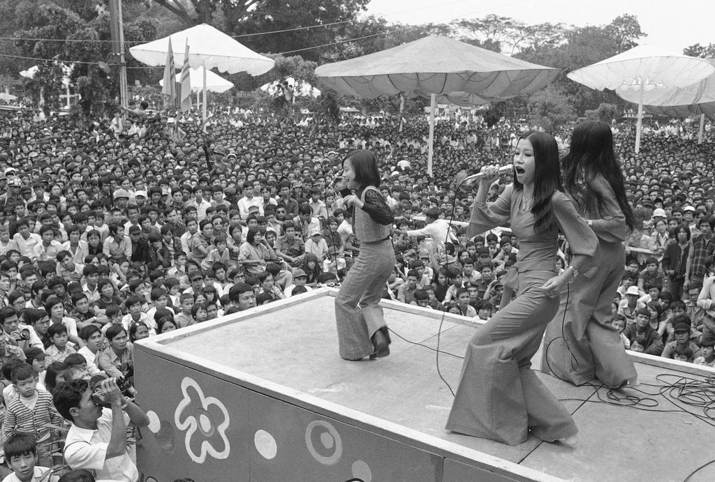 Lịch sử nhạc rock Việt Nam: Buổi bình minh giao thoa giữa nhạc Pháp – Mỹ