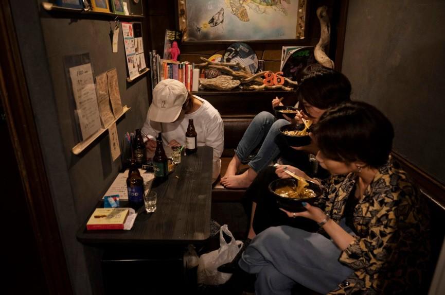 Dem o nhung con hem chat hep cua quan Shinjuku cua Tokyo hinh anh 12