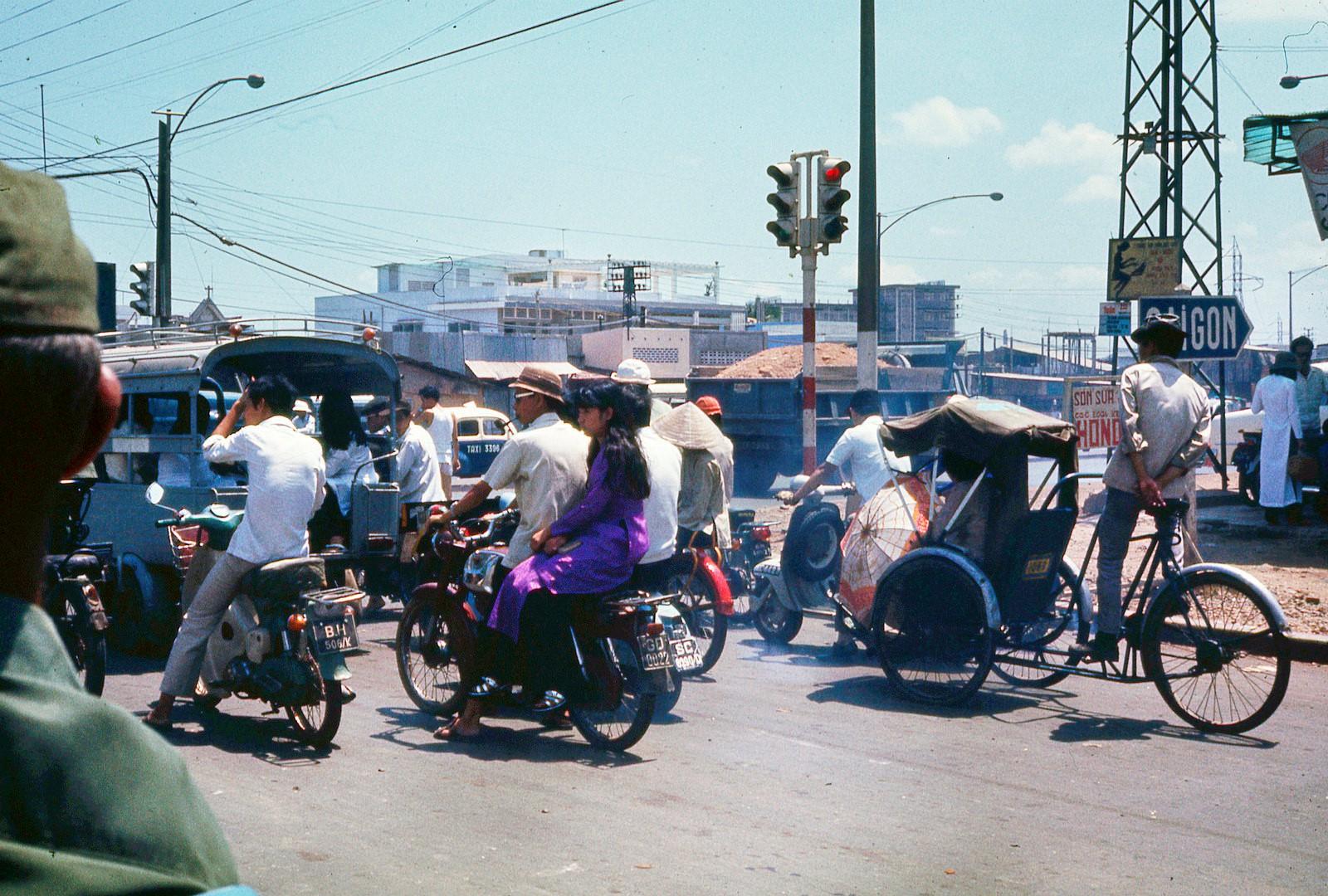 Sài Gòn năm 1971-1972 trong ảnh của Terry Nelson