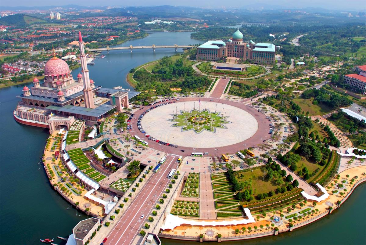 Xây dựng thành phố thông minh và bài học từ Putrajaya