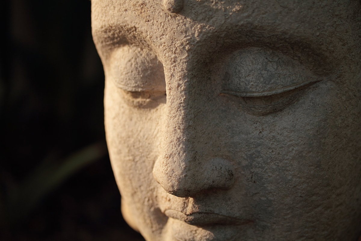 Phật giáo và sự bù đắp cho những khuyết tật của khoa học