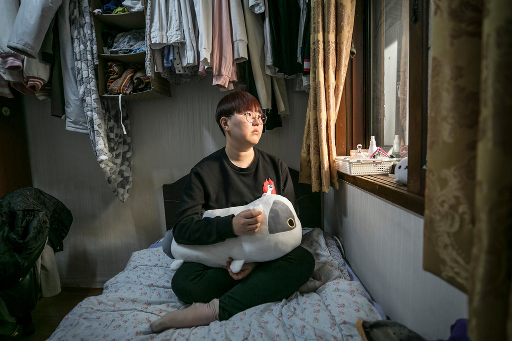 Nợ nần, thất nghiệp – cơn ác mộng ám ảnh giới trẻ Hàn Quốc