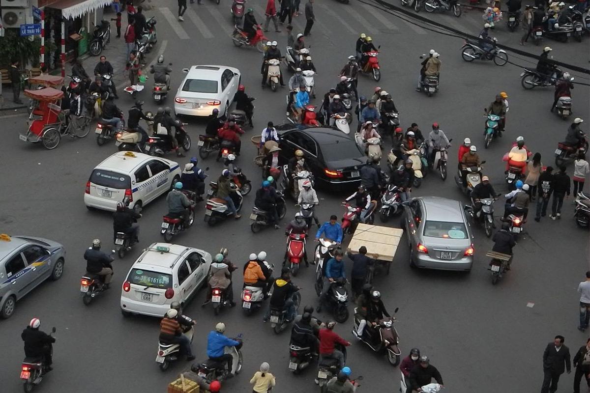 Thói ngược đời nguy hiểm của người Việt