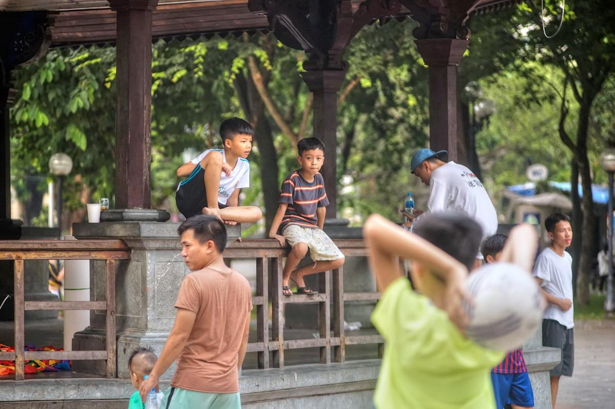 Chùm ảnh: Vườn hoa Lý Thái Tổ và những câu chuyện lịch sử ít người biết