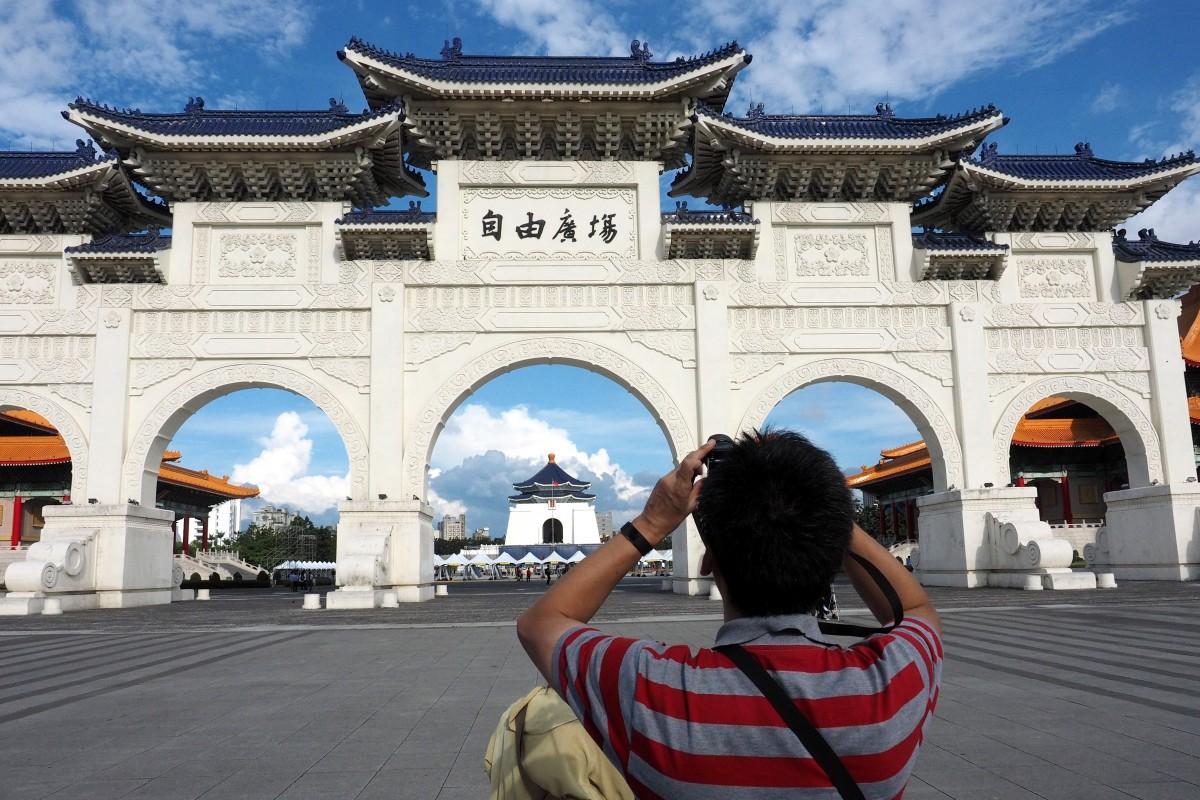 Thời báo Hoàn Cầu viết về tình cảm yêu – ghét của Việt Nam với Trung Quốc