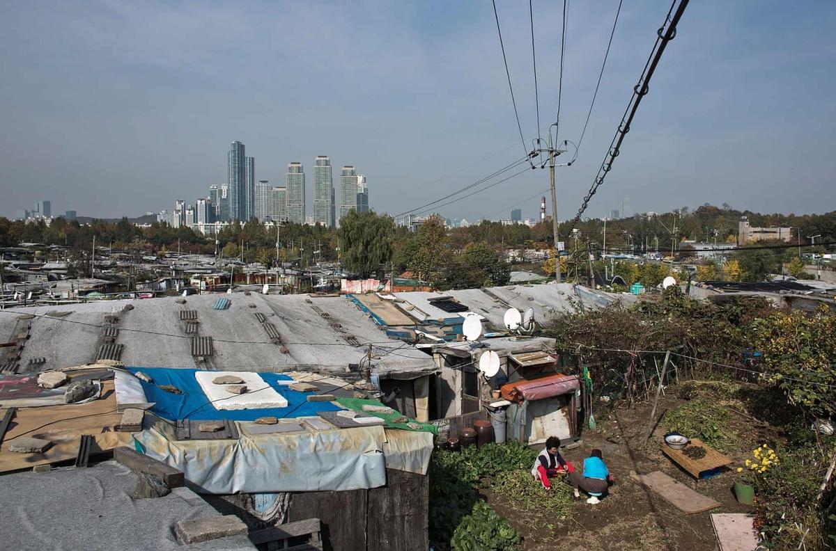 Chùm ảnh: Khu ổ chuột Guryong – góc khuất u ám của xã hội Hàn Quốc