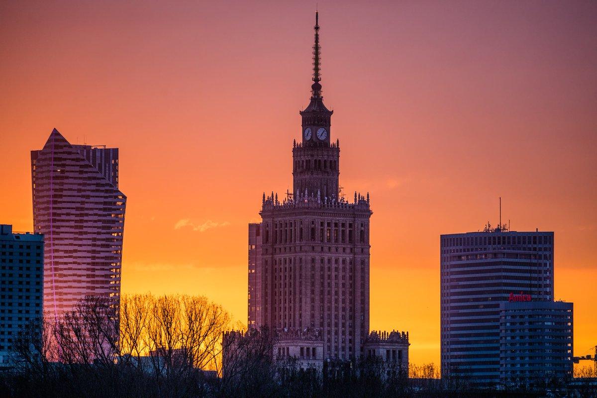 Chống Nga mù quáng, nhà cầm quyền Ba Lan đang đẩy đất nước vào ngõ cụt