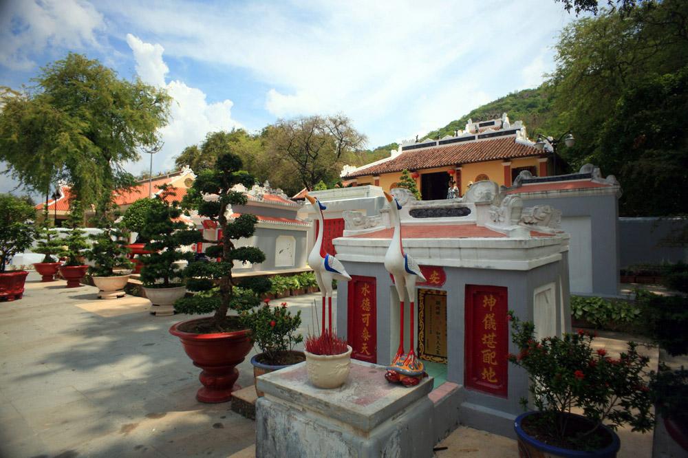 Chùm ảnh: Thăm lăng mộ danh tướng Thoại Ngọc Hầu ở Châu Đốc
