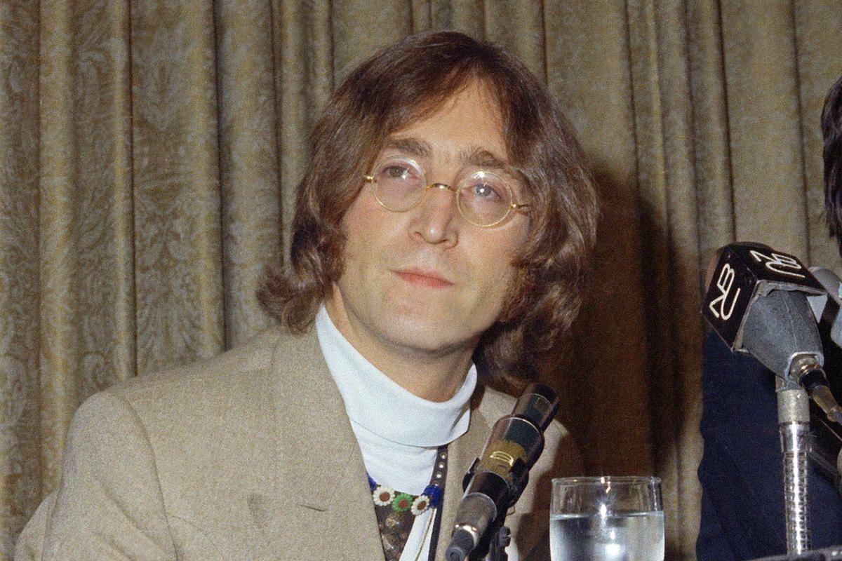 John Lennon – gã nghệ sỹ khờ trong thế giới phù hoa