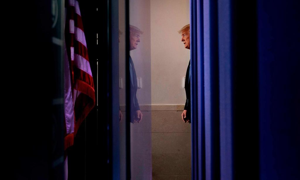 6 tuần thụ động của Trump và thảm họa lịch sử của nước Mỹ