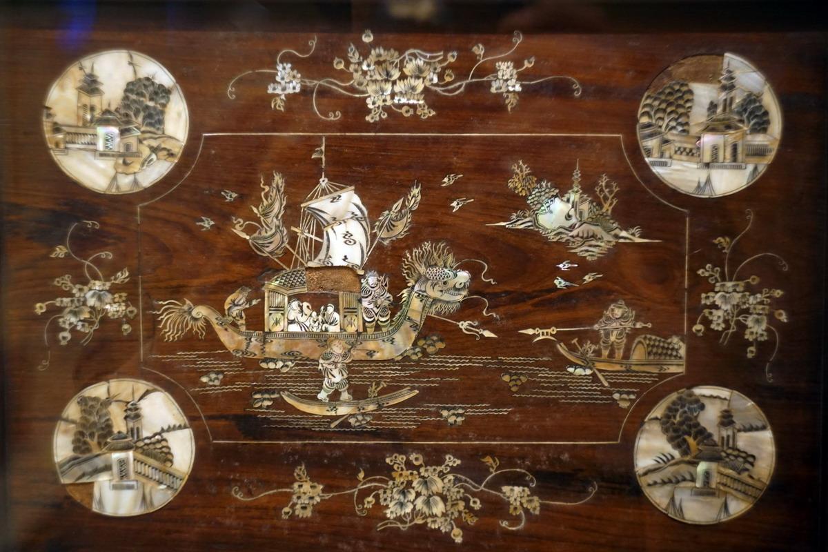Khảm xà cừ – chất liệu mỹ thuật truyền thống đặc sắc của người Việt