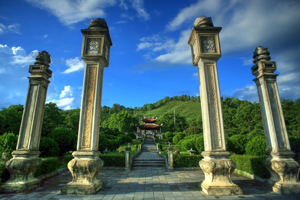 Chùm ảnh: Thăm lăng mộ Hải Thượng Lãn Ông ở Hà Tĩnh