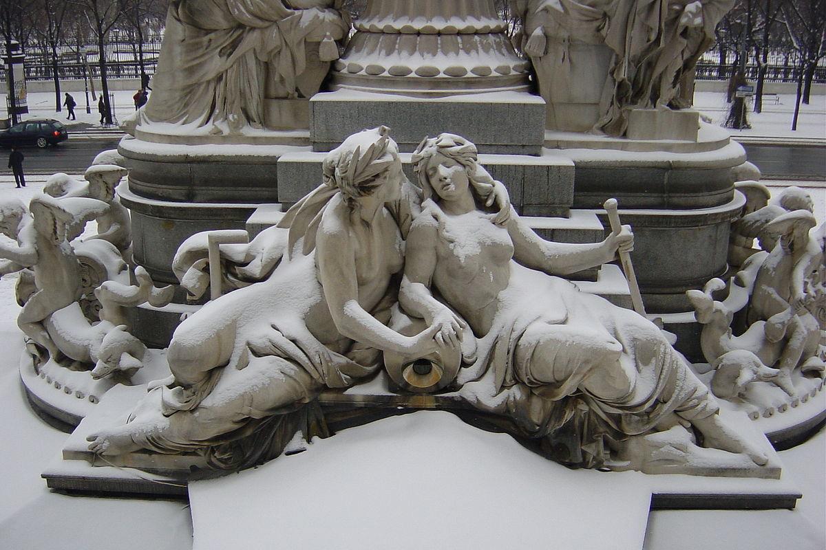 Vấn đề đồng tính luyến ái trong văn chương và nghệ thuật