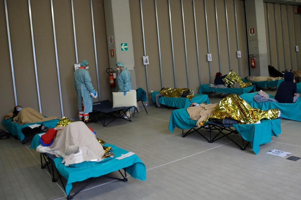 Sự hoảng loạn của nền y tế Italia: Lời cảnh báo đáng sợ về virus Corona