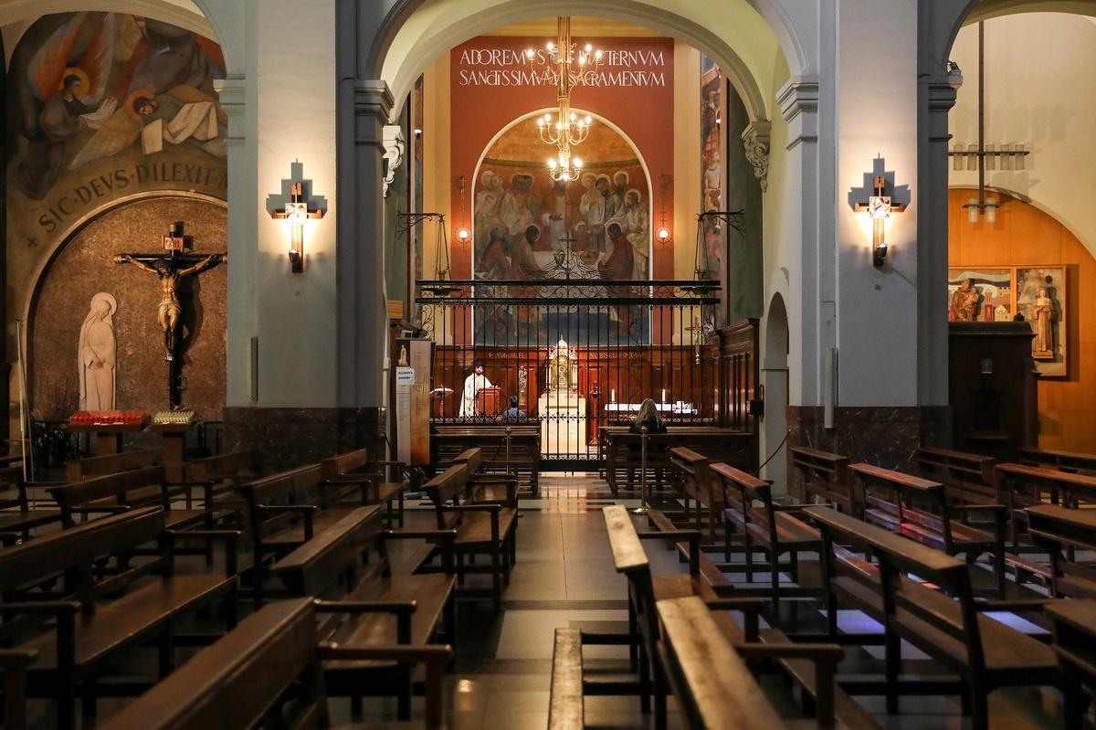 Chùm ảnh: Các nhà thờ vắng lặng khắp toàn cầu vì đại dịch COVID-19