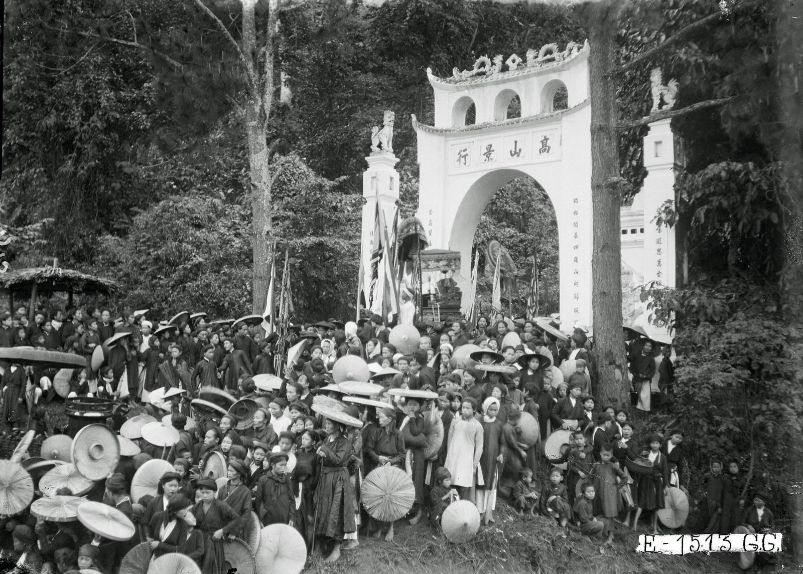 Hình ảnh khó quên về lễ hội đền Hùng thập niên 1920