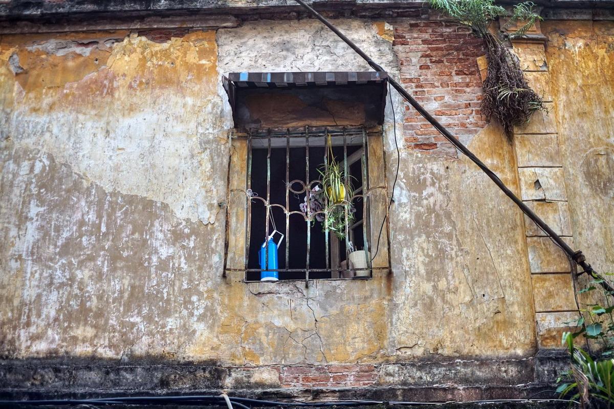 Chùm ảnh: Phố Hàng Bút – con phố nghèo khó của Hà Nội xưa
