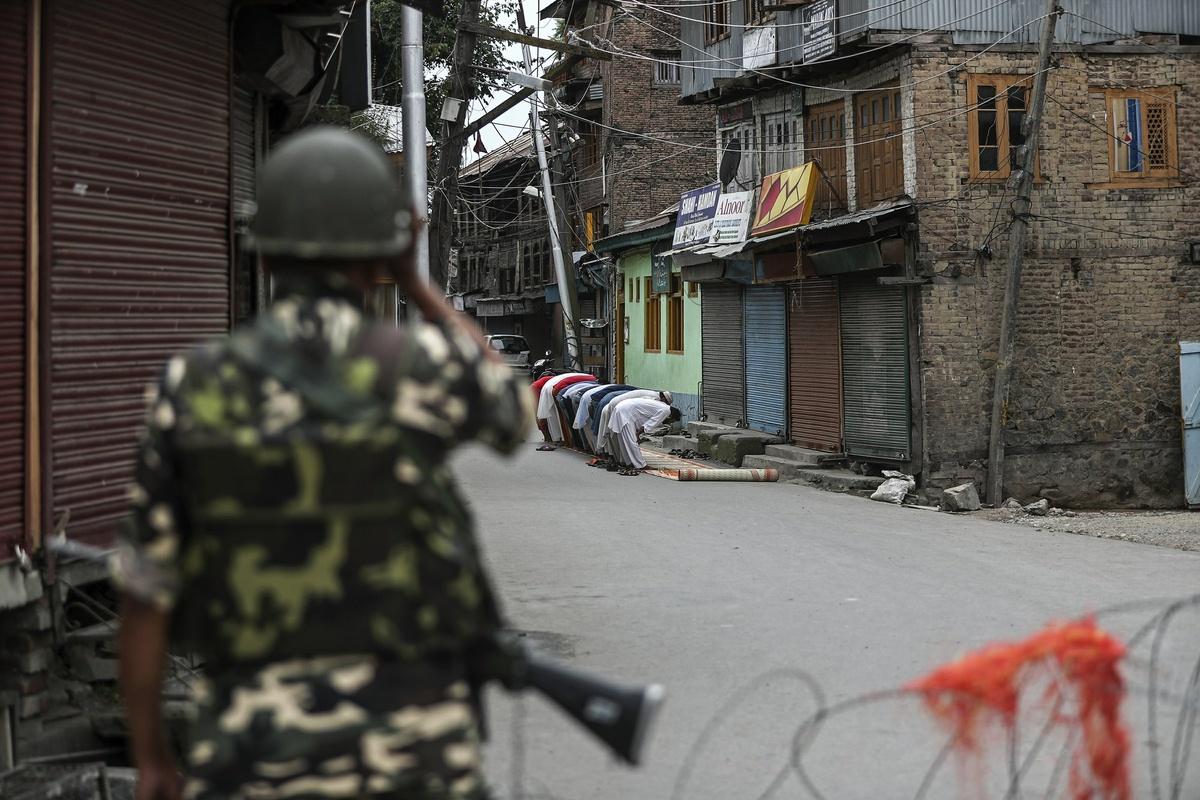 Khủng hoảng Kashmir – phóng sự ảnh thắng giải Pulitzer 2020