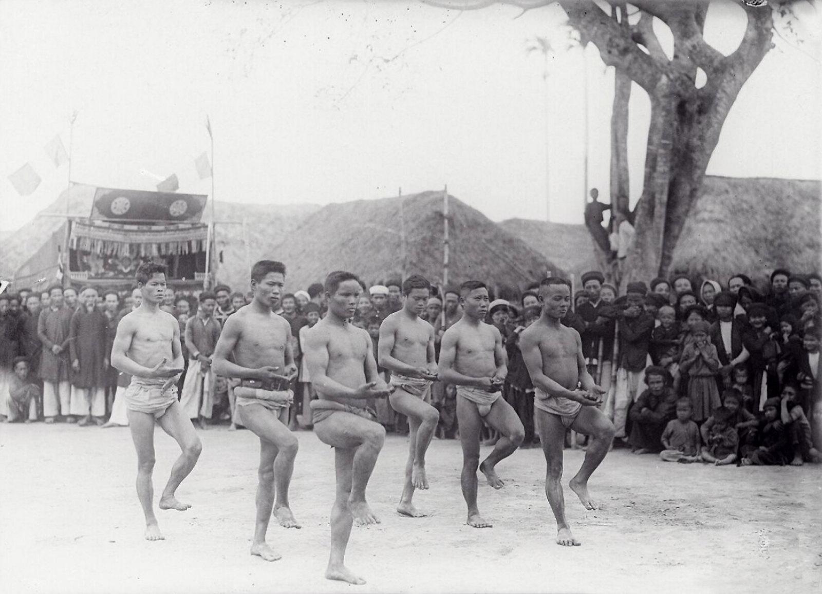 Chùm ảnh: Một lễ hội làng ở Nam Định năm 1928