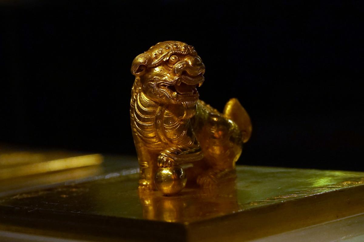 Chùm ảnh: Chiếc ấn vàng 300 tuổi – báu vật truyền ngôi của triều Nguyễn