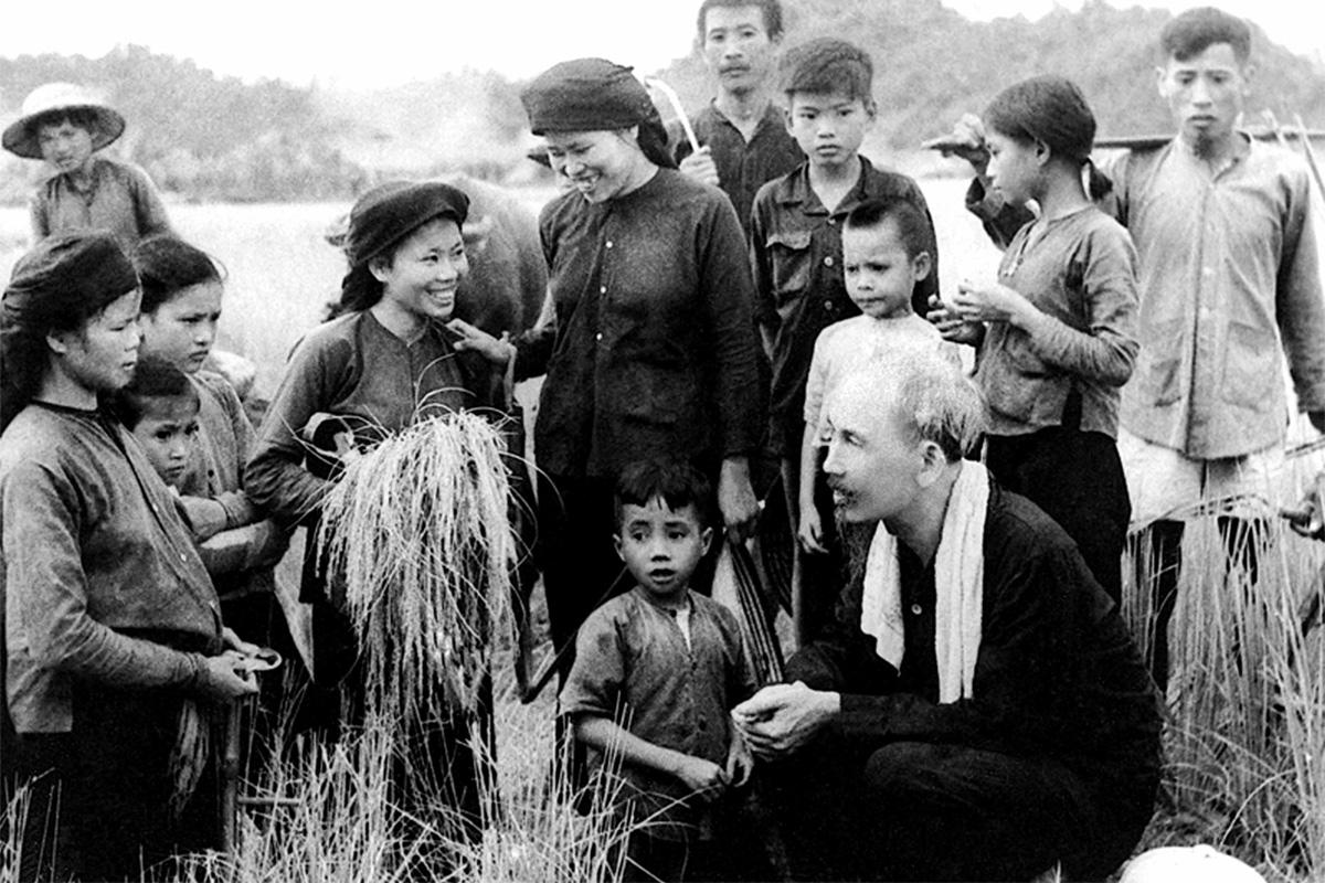 Chủ tịch Hồ Chí Minh: Sự vĩ đại bắt nguồn từ những điều giản dị nhất