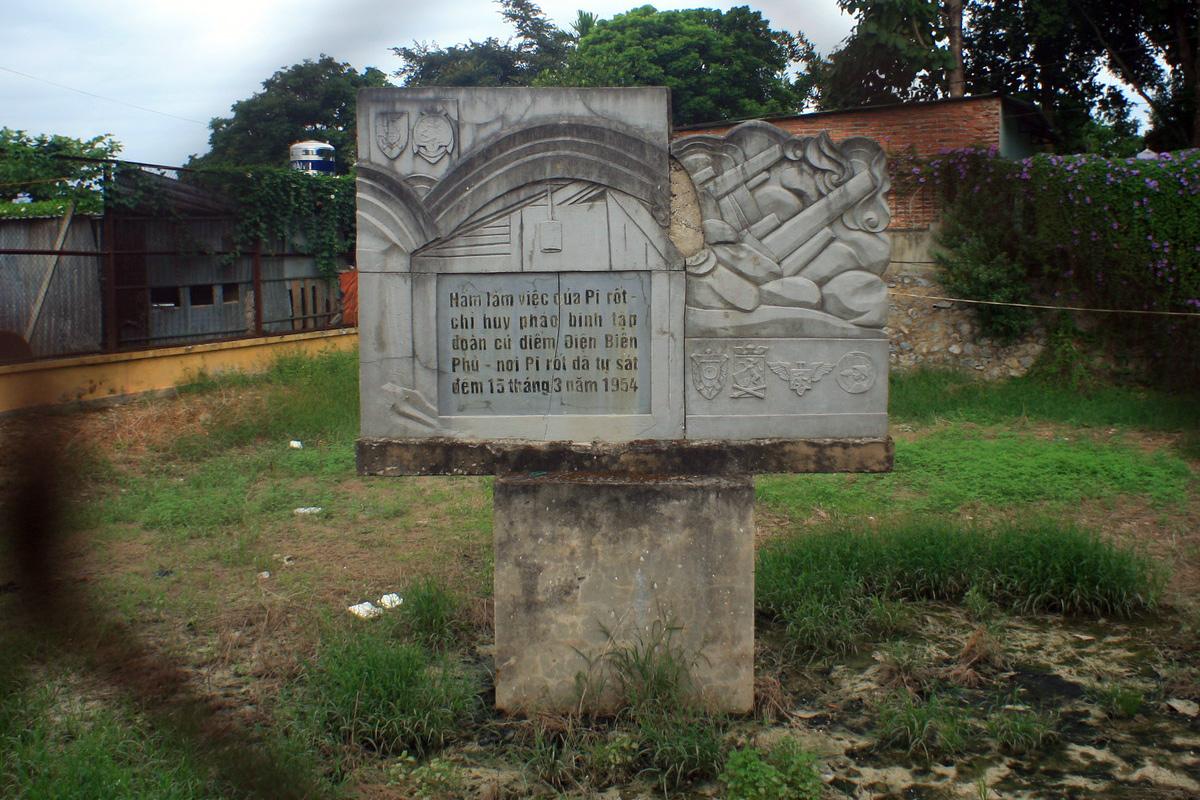 Cái chết tức tưởi của chỉ huy pháo binh Pháp ở Điên Biên Phủ