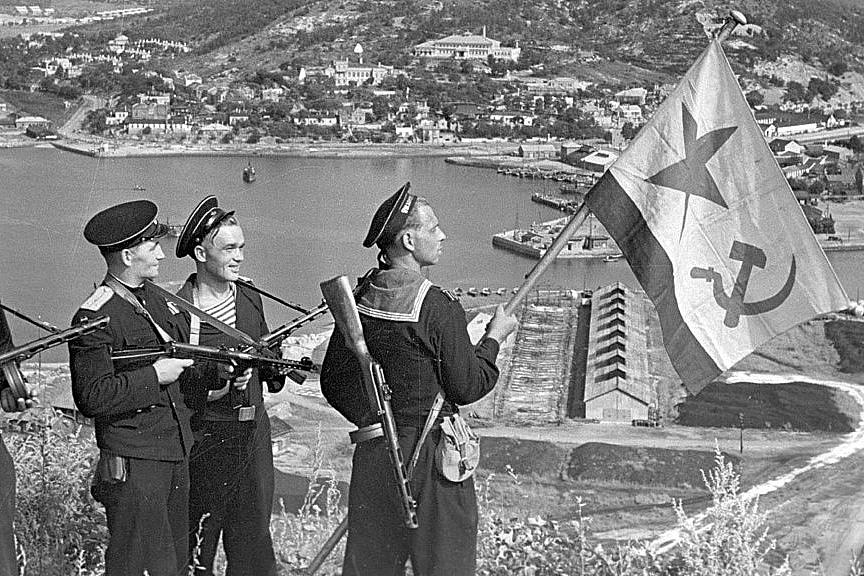 Trung Quốc phải dựa vào Liên Xô để đòi lại lãnh thổ từ Nhật Bản ra sao?
