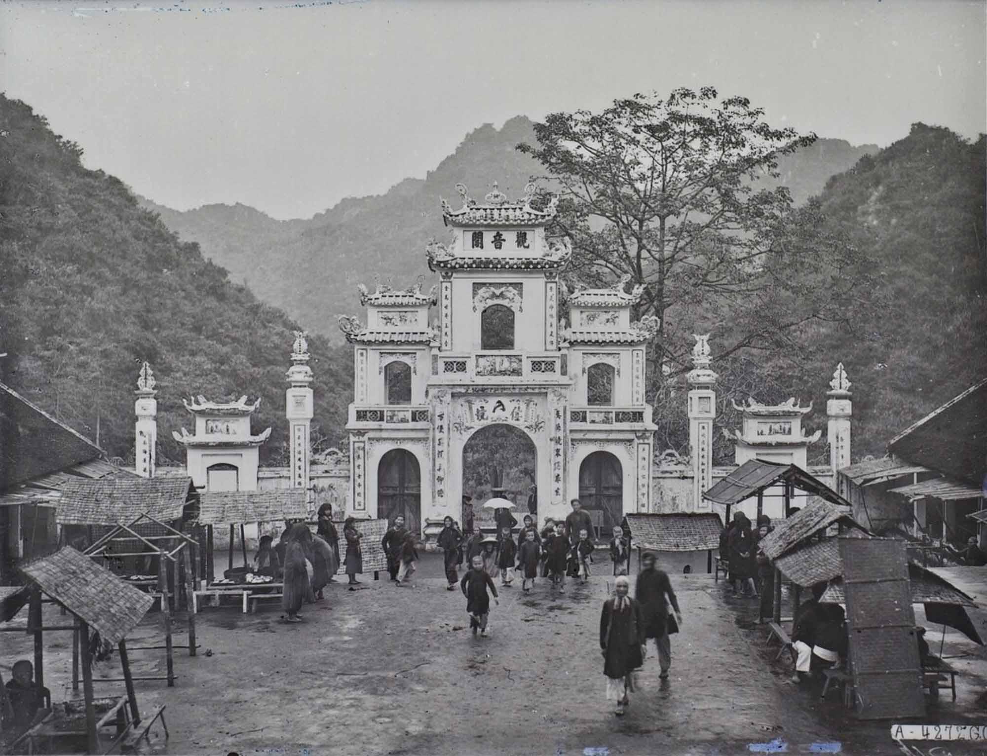 Những hình ảnh khó quên về lễ hội chùa Hương năm 1927
