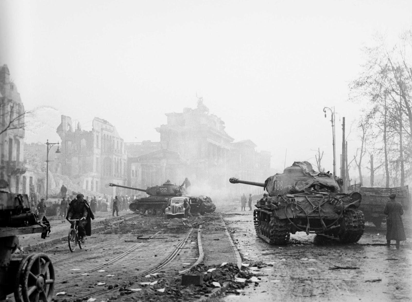 Những cuộc kháng cự cuối cùng của phát-xít Đức trước Liên Xô