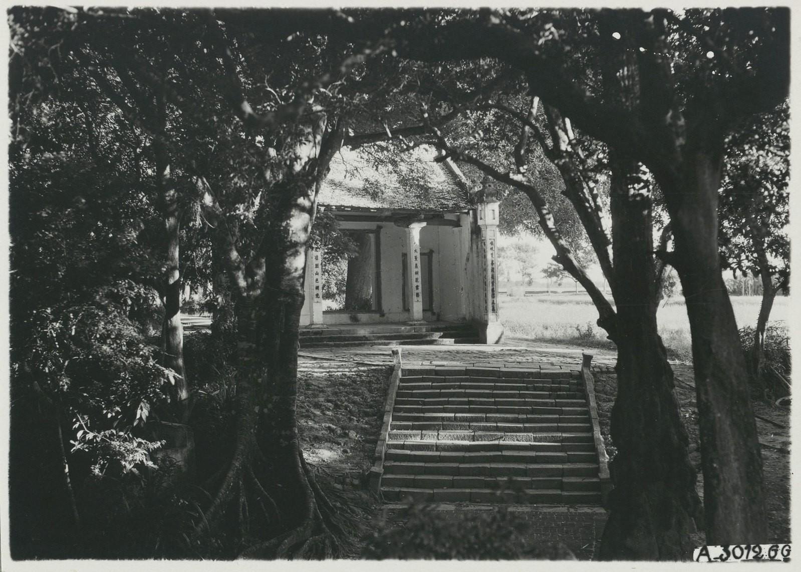 Chùm ảnh: Khám phá đền Voi Phục ở Hà Nội năm 1926