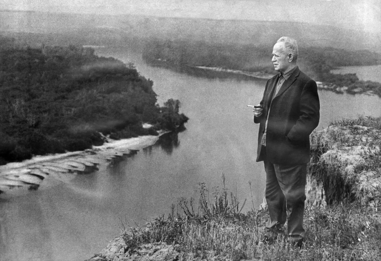 Nhà văn Nga Mikhail Sholokhov:  Vĩ đại từ những trang viết đầu tiên