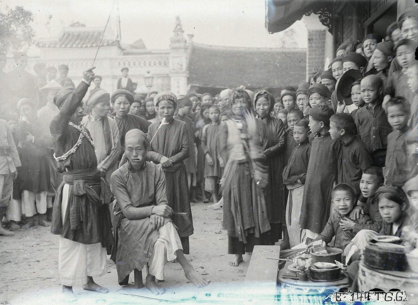 Chùm ảnh: Lễ hội Phủ Giày ở Nam Định thập niên 1920