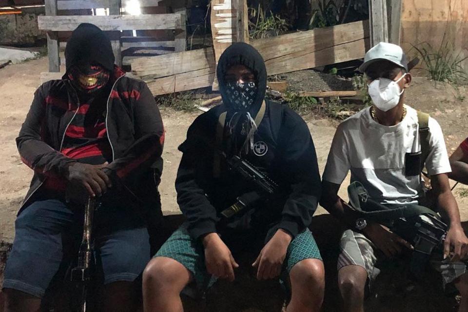 Chuyện băng đảng ma túy thay Tổng thống lãnh đạo chống dịch ở Brazil