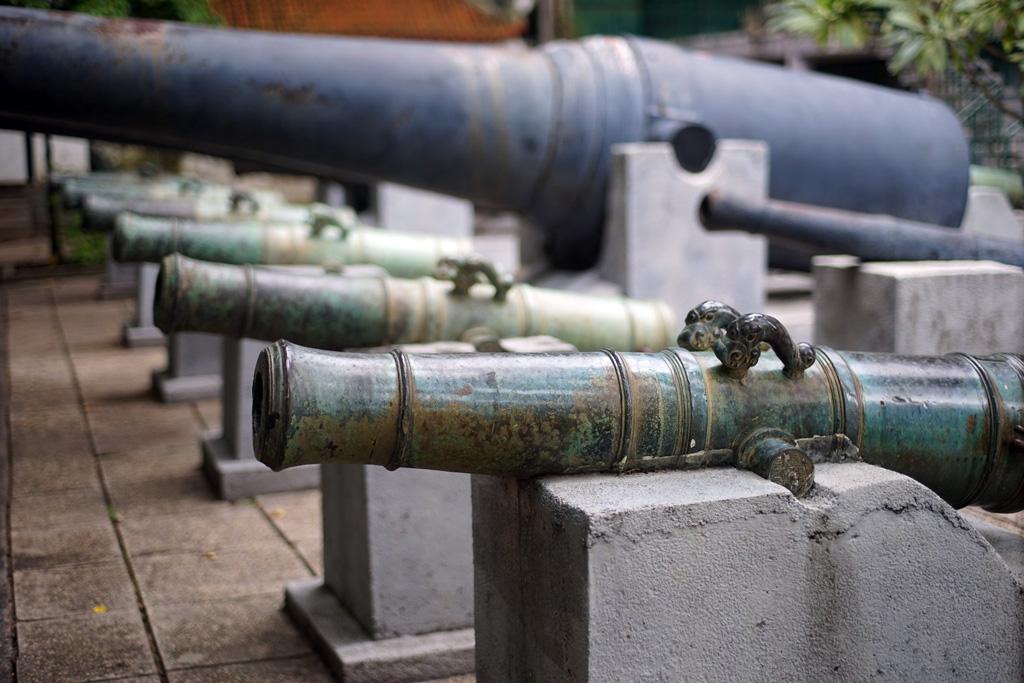 Chùm ảnh: Bộ sưu tập súng thần công trăm tuổi ở Sài Gòn