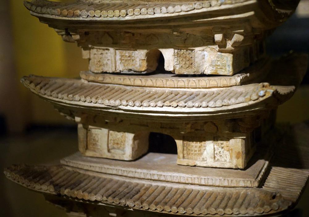 Chùm ảnh: Nét tinh xảo đáng ngạc nhiên của tòa tháp cổ thời Lý