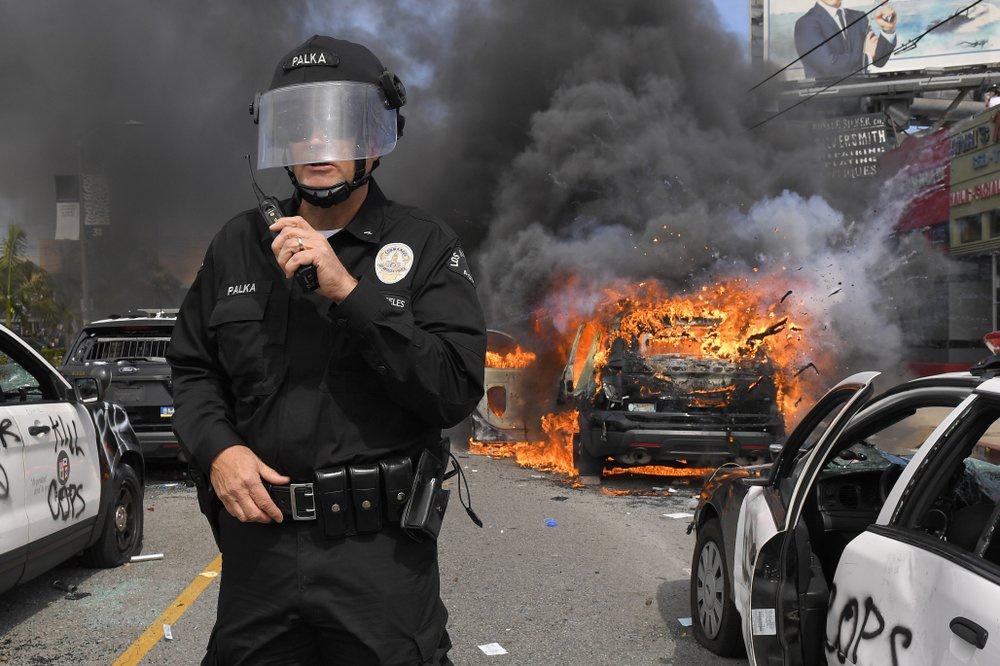 Chùm ảnh: Nước Mỹ chìm trong làn sóng bạo động lớn nhất kể từ 1968