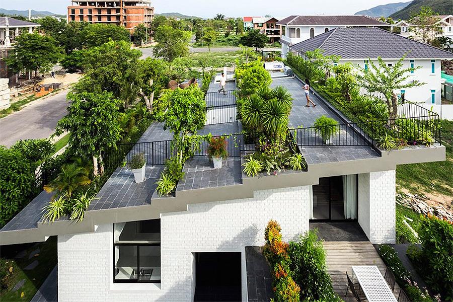 Những lợi ích của việc thiết kế sân vườn trên mái nhà
