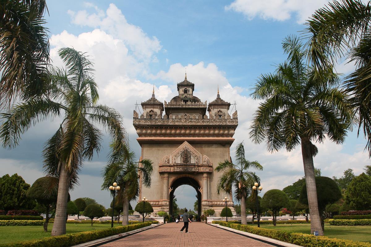 Lào trong chiến lược ngoại giao của Việt Nam và Trung Quốc
